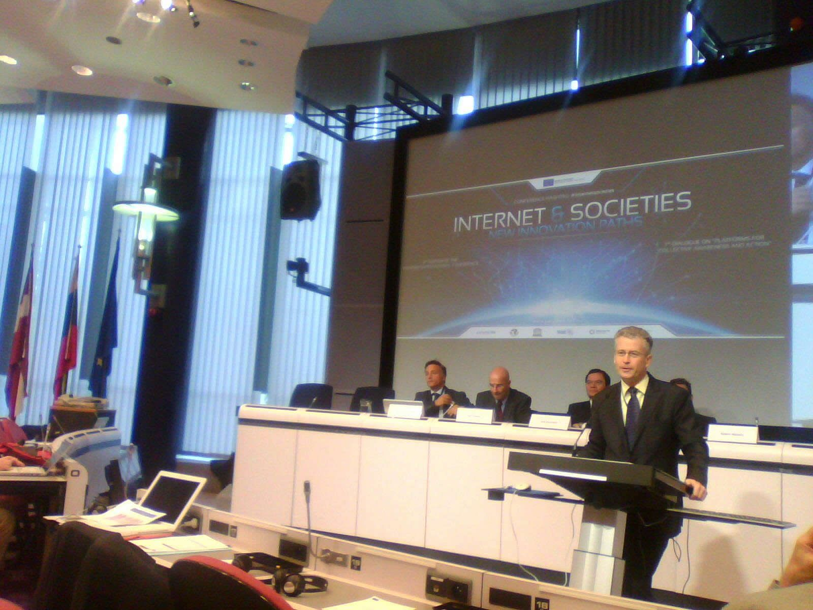 ICT building resilience within societies, Robert Madelin (EC DG Infso)